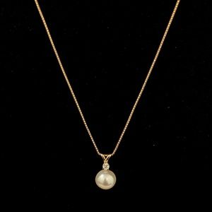 Jewelry - REAL gold, diamond, and pearl pendant